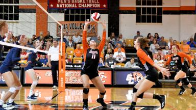 Women's Volleyball sets up spike