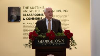 Representative from Austin E. Knowlton Foundation Speaks at Reception